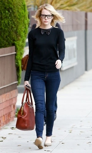 d8c542a833ac Emma Stone in Maje bow knit   Burberry Orchard bag